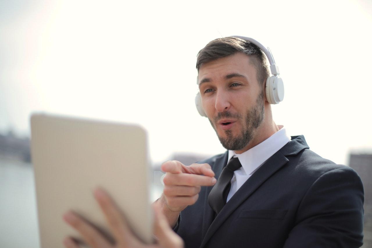 A videohívás, videokonferencia helyettesítheti a személyes találkozót